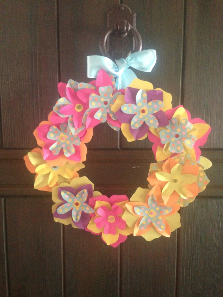 spring flower decoration for the front door