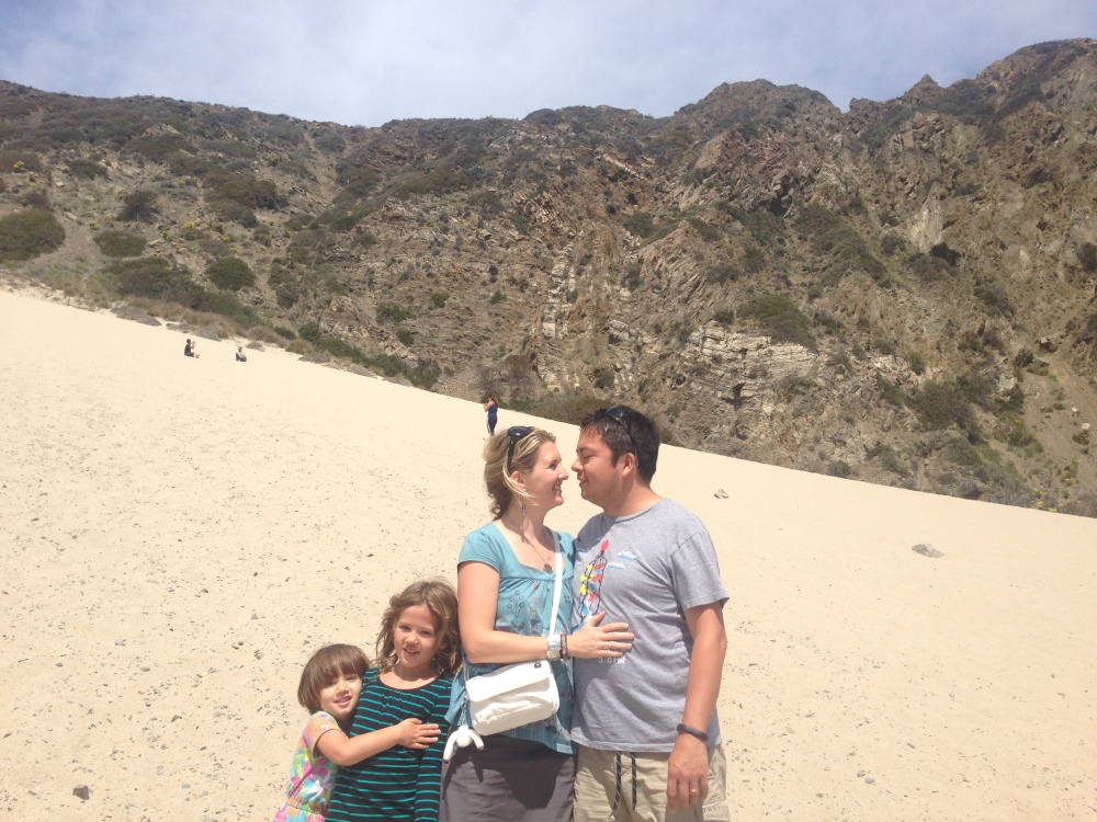 Hugs on the sand dune